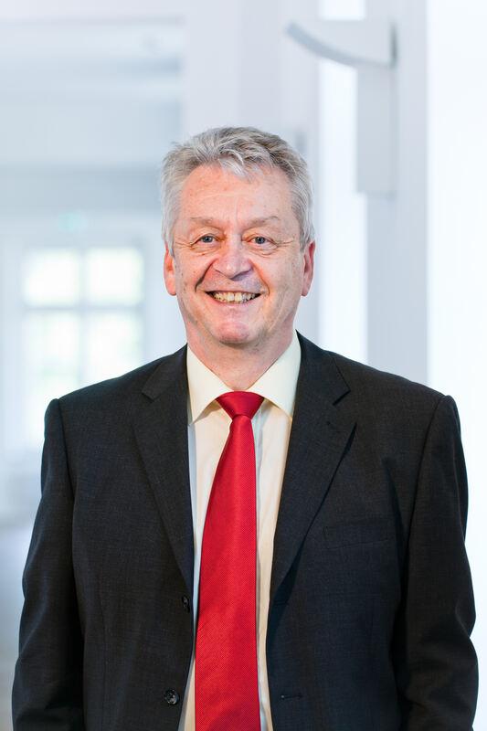 Dr.-Ing. <b>Hans-Eberhard Schurk</b>, Präsident der Hoschule Augsburg - 125159_1_articleaccgrosscrop_Prof_Dr_Schurk_120