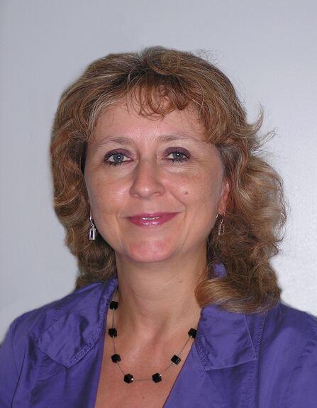 Sabine Beck tritt die Nachfolge von <b>Karl Wenninger</b> an und leitet den ... - 132354_1_lightbox_Beck_Sabine_BLin2_SGLin23_