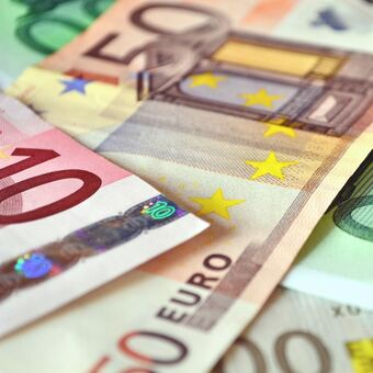 100 mio euro d nisches betten lager f r das allg u memmingen unterallg u b4b schwaben. Black Bedroom Furniture Sets. Home Design Ideas