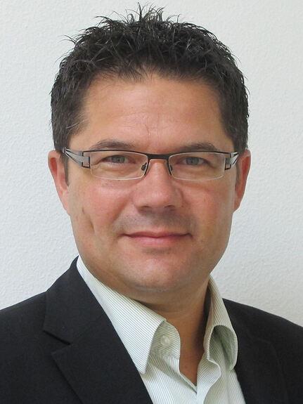 Dr. <b>Bernd Vogl</b> freut sich auf seine neue Aufgabe. Foto: Grünbeck - 208270_1_lightbox_Vogl_Bernd_Dr_6x8cm