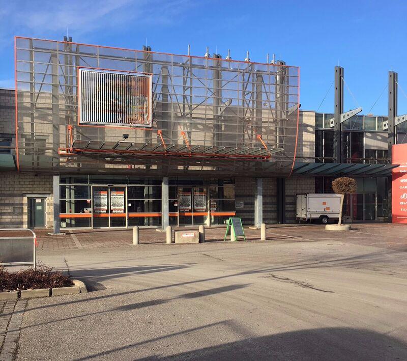 ehemalige obi filiale augsburg wird f r wohnraum abgerissen augsburg b4b schwaben. Black Bedroom Furniture Sets. Home Design Ideas