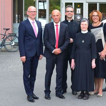 Über 60 katholiken nur aus dienstleistungen
