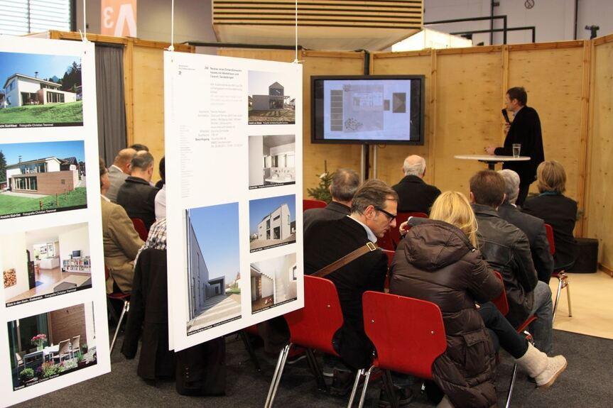 holz auf den augsburger immobilientagen regio augsburg wirtschaft gmbh augsburg b4b schwaben. Black Bedroom Furniture Sets. Home Design Ideas