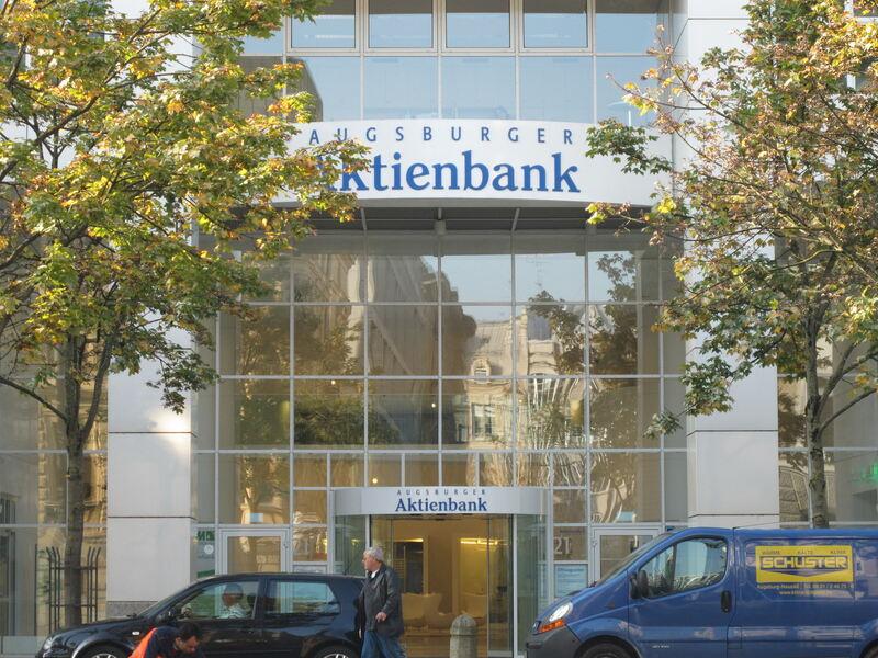 Aab übernimmt Depotgeschäft Einer Autobank Augsburg B4b Schwaben