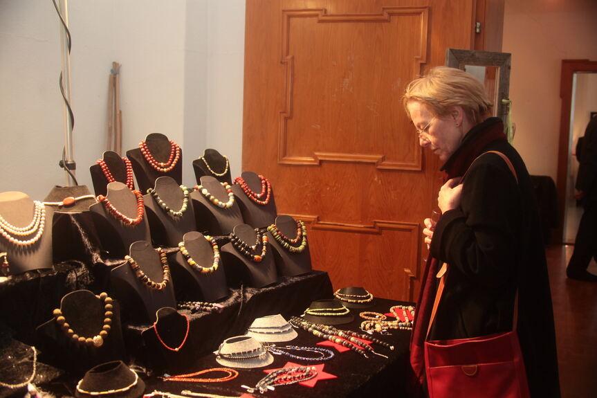 Weihnachtsmarkt Aichach.Sisi Schloss Weihnachtlicher Kunst Antik Markt Aichach Friedberg