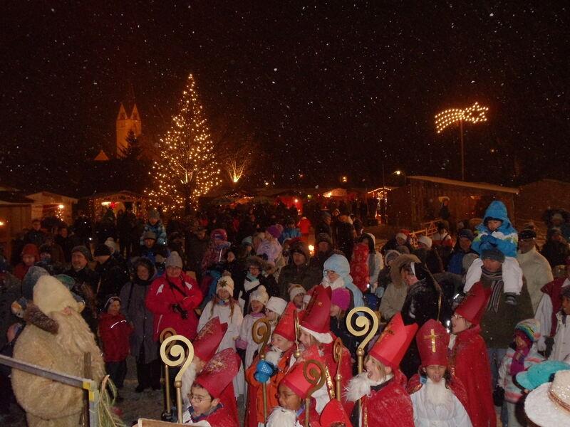 Weihnachtsmarkt Gundelfingen.Gundelfinger Weihnachtsmarkt Gaukler Und Mehr Dillingen B4b