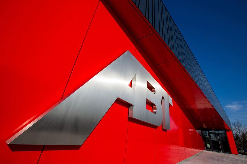ABT Sportsline eröffnet heilige Hallen  Kempten / Oberallgäu  B4B Schwaben