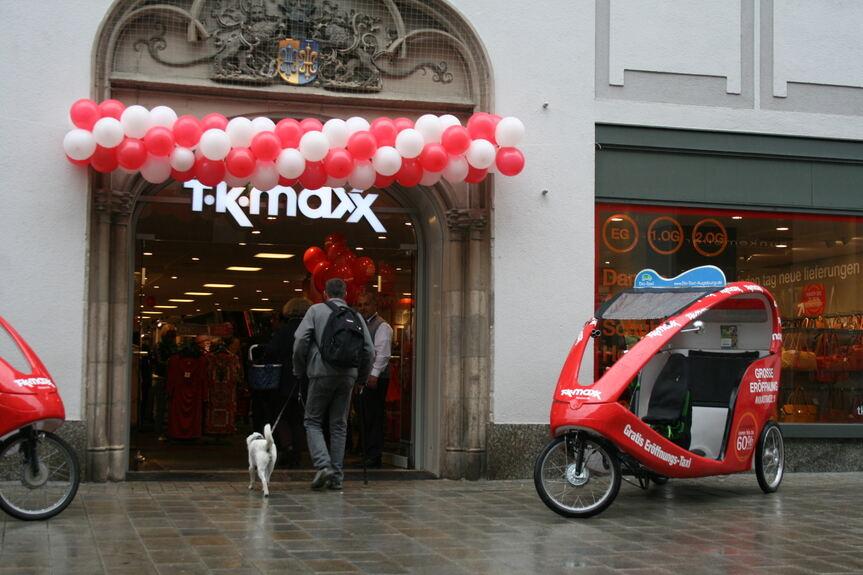 67. TK Maxx Filiale feiert Eröffnung in Augsburg - Augsburg - B4B ...
