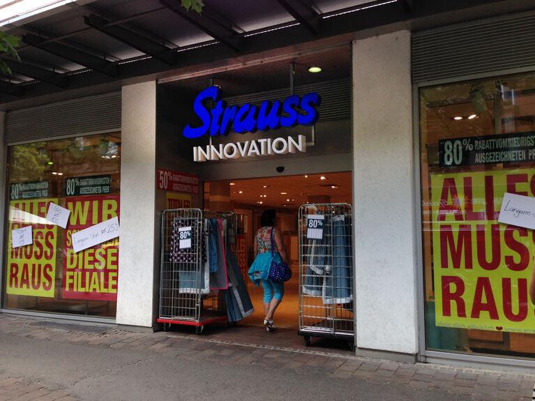 strauss innovation schlie t augsburger filiale augsburg b4b schwaben. Black Bedroom Furniture Sets. Home Design Ideas