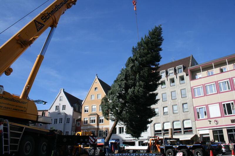 firma schmidbauer bringt weihnachten nach augsburg der. Black Bedroom Furniture Sets. Home Design Ideas
