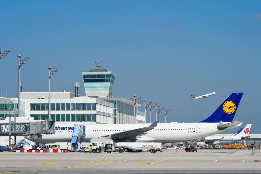 Ludwig Leuchten erhellt Münchner Flughafen - Aichach-Friedberg - B4B ...
