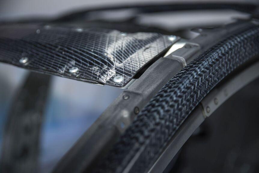 """SGL zeigt Carbon-Teile des neuen BMW 7er auf der """"Experience ..."""